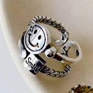 Smile Finger Ring